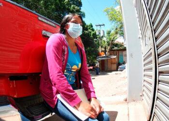 La joven Denis Dalila Martínez Gutiérrez, madre y compañera de hogar de las tres víctimas hasta ayer todavía no había asimilado la tremenda tragedia.