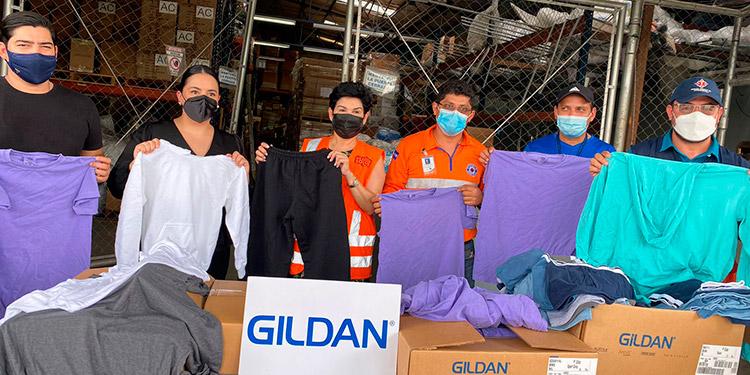 """""""Estamos recibiendo más de 37,000 piezas de ropa, entre ellas: buzos, camisas y ropa interior"""" para los isleños, dijo la designada presidencial."""