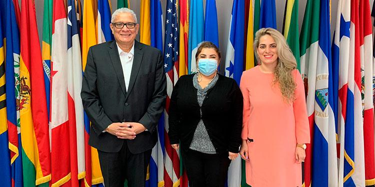 López reunido con la representante de la OEA.