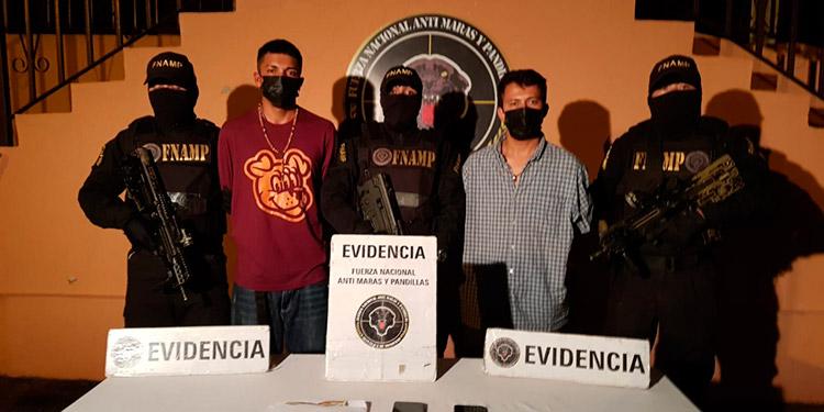 """Kevin Adalberto Mejía Flores (26), alias """"Chaca"""" y Genry Andrés Reyes Gómez (23), alias """"Engel""""."""