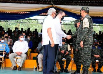 En el traspaso de mando que se llevó a cabo en ceremonia solemne en las instalaciones del Campo de Parada Marte.
