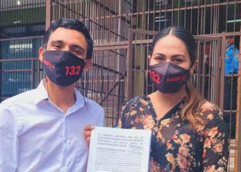 Fausto Cálix y su suplente, Angélica Álvarez, se presentaron al CNE a quejarse.