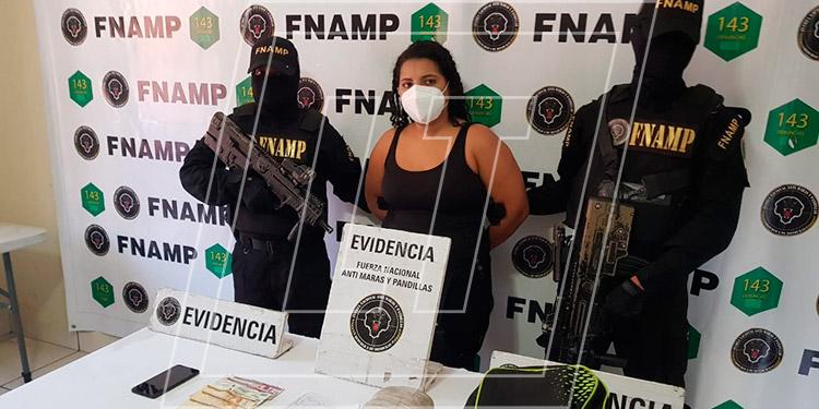 """A Stephany Alejandra Flores Mercado (25), alias """"La Good"""", se le acusa del delito de extorsión."""