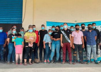 """Las autoridades policiales detuvieron a los 26 nicaragüenses que eran transportados por """"coyotes"""", de forma ilegal."""