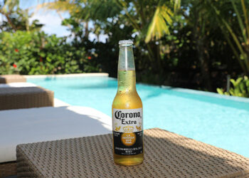 """Cerveza Corona, a tavés de su campaña """"Rediscover Paradise"""", te regala unas inolvidables vacaciones en Indura Beach & Golf Resort."""