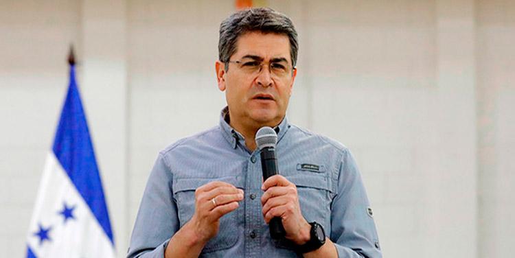 """Presidente Juan Orlando Hernández: """"Mi solidaridad con ustedes, hermanos de Guanaja. Tienen mi palabra que no los dejaremos solos"""""""