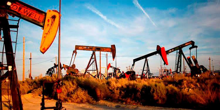 Los inversores estadounidenses esperan nuevos datos sobre las reservas de crudo nacionales que ofrecerá mañana la Administración de Información Energética.