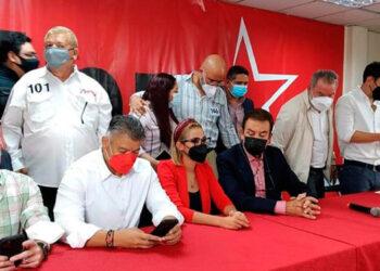 Roberto Contreras, al ser ungido como el candidato oficial a la municipalidad por alianza Libre-PSH.