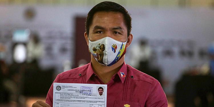 Días después de anunciar su retirada, el ícono del boxeo Manny Pacquiao presentó el viernes su certificado de candidatura a la presidencia de Filipinas. (LASSERFOTO AP)