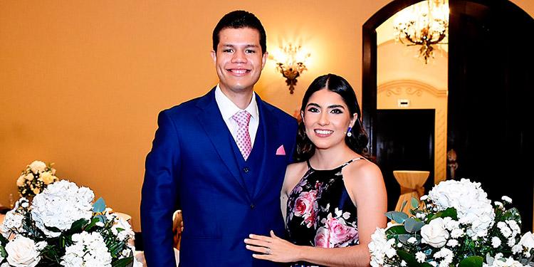 Ronald Marshall y Andrea Verónica.