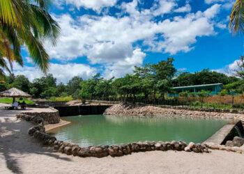 """Playa Blanca es el inicio de """"La Ruta Naranja"""", un balneario de posas naturales que puede recibir más de 1,200 personas por sus amplias instalaciones."""