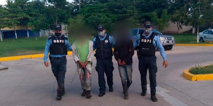 La institución policial continúa ejecutando operativos de búsqueda de prófugos y denunciados ante la justicia.