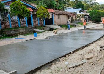 El inicio de la pavimentación de la segunda etapa está avanzando en la colonia Mata.