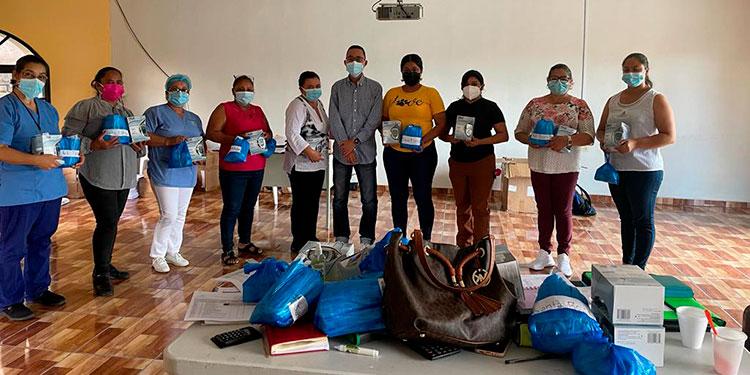 18 centros de salud fueron beneficiados con la entrega del donativo.
