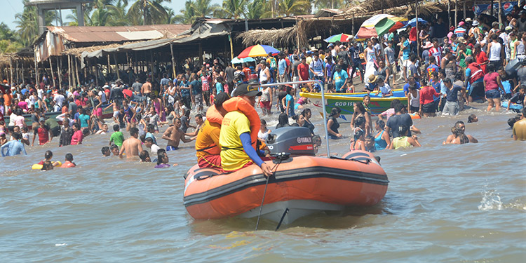 Las playas del municipio de Marcovia están listas para atender a los miles de turistas.