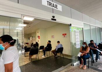 Autoridades sanitarias analizan el cierre de centros de triaje en la capital, por baja afluencia de personas y disminución de contagios.