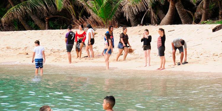 Cierta parte de la población comenzó a movilizarse a las diferentes playas y otras zonas turísticas del país.