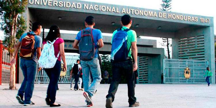 """Las autoridades educativas aseguran que se trata de una sentencia """"injusta"""" emitida por la Sala de lo Constitucional de la CSJ."""