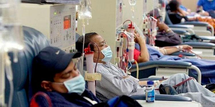 Según el presidente de la asociación de pacientes renales, al menos un paciente muere a diario por mal tratamiento.