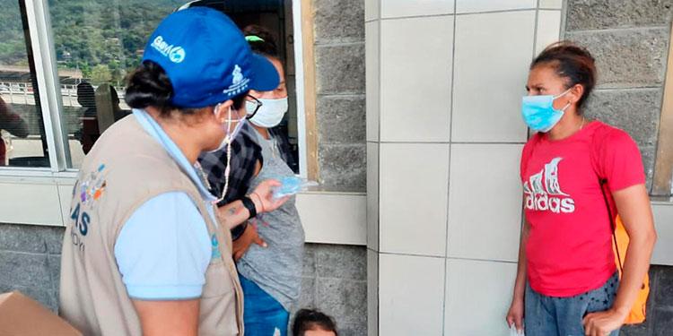 En San Pedro Sula están habilitados para la vacunación los centros de salud Miguel Paz Barahona, la Universidad Católica y la Gran Central Metropolitana de Buses con un horario de atención de 8:00 de la mañana a 2:00 de la tarde.