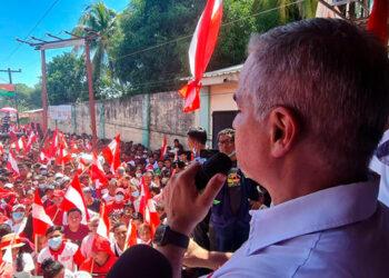 El candidato presidencial dijo esperar que más temprano que tarde que el Partido Libre se pueda unir al Partido Liberal.