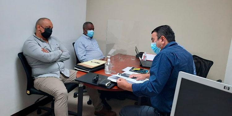 Fiscales contra la corrupción le tomaron declaración al alcalde de Santos Guardiola, Gilbert Carrison Dilbert Green.