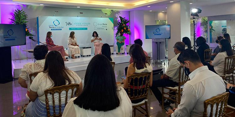 Para conmemorar la ocasión, se invitó a dos empresarias hondureñas, Anamaría Dieckmann de Anamarías Eventos y Marcela Zacapa de El Armario Honduras.
