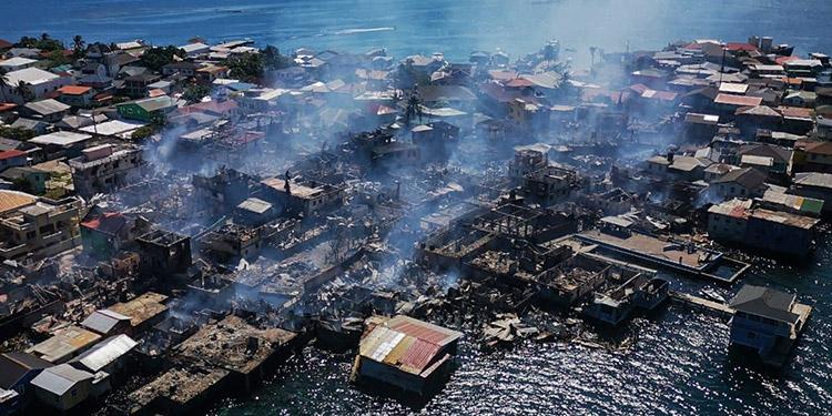 A seis días del fatídico incendio, la isla sigue sumida en las labores de limpieza y reconstrucción.