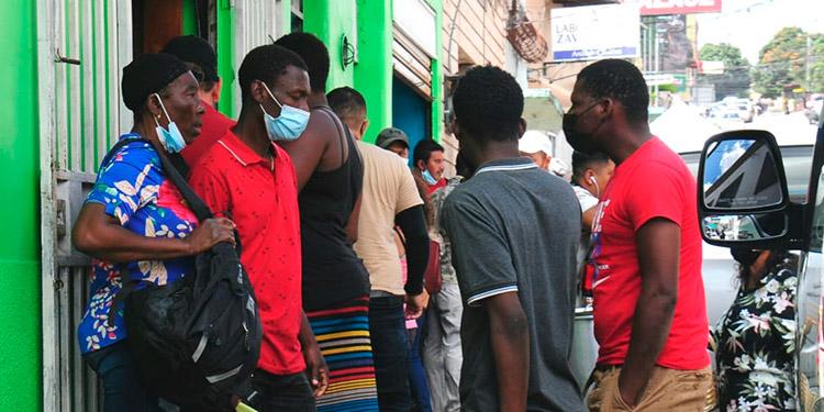 Pese a la pandemia del coronavirus muchos migrantes emprenden el peligroso viaje rumbo a los Estados Unidos en búsqueda de oportunidades.